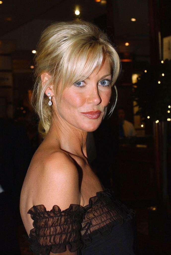 Alison Doody sexy