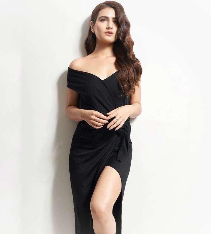 Fatima Sana Shaikh sexy pic