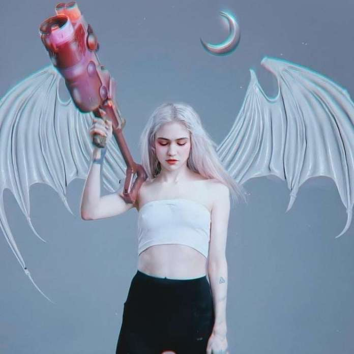 Grimes sexy pic