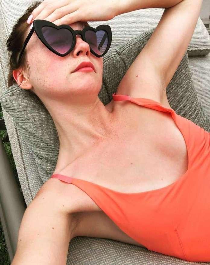 Jessica Barden sexy pics