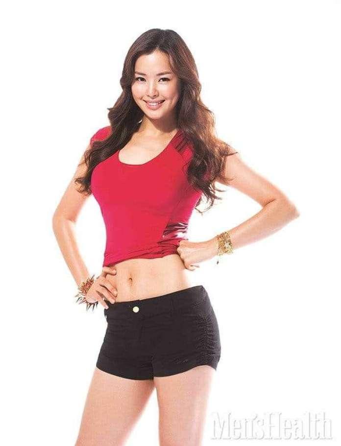 Lee Ha-Nui hot look