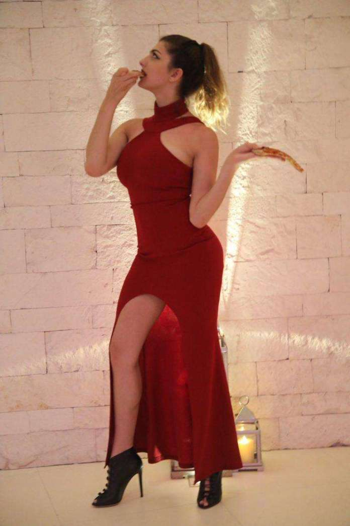 Rachel Levin sexy pics