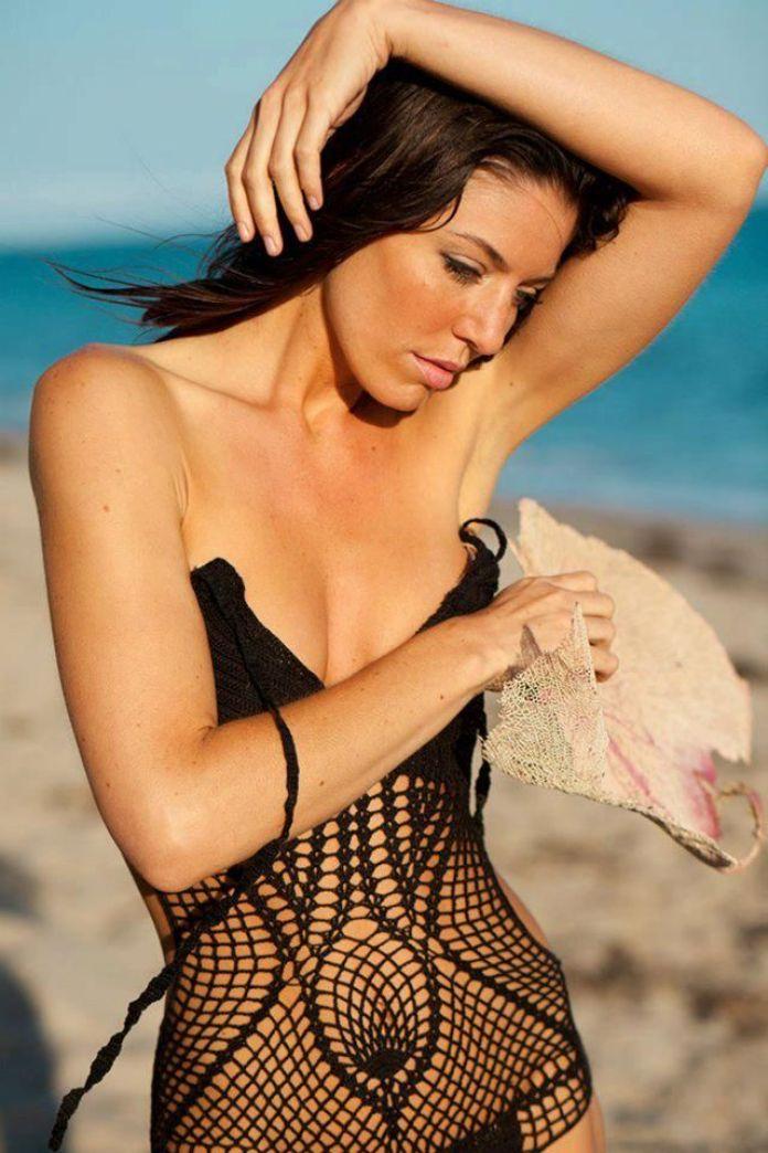 Amanda Kimmel sexy