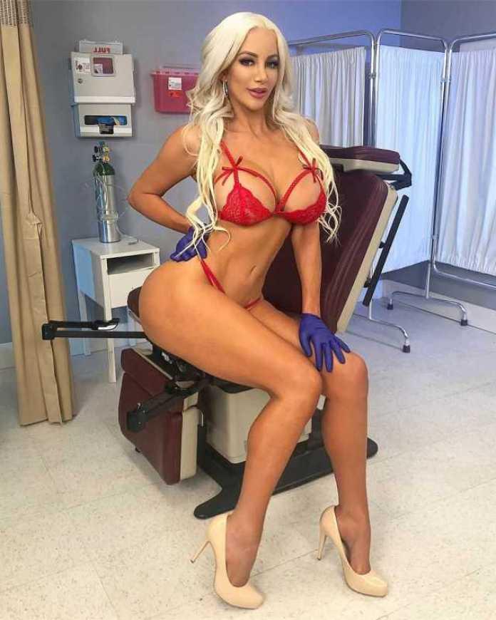 Nicolette Shea sexy legs