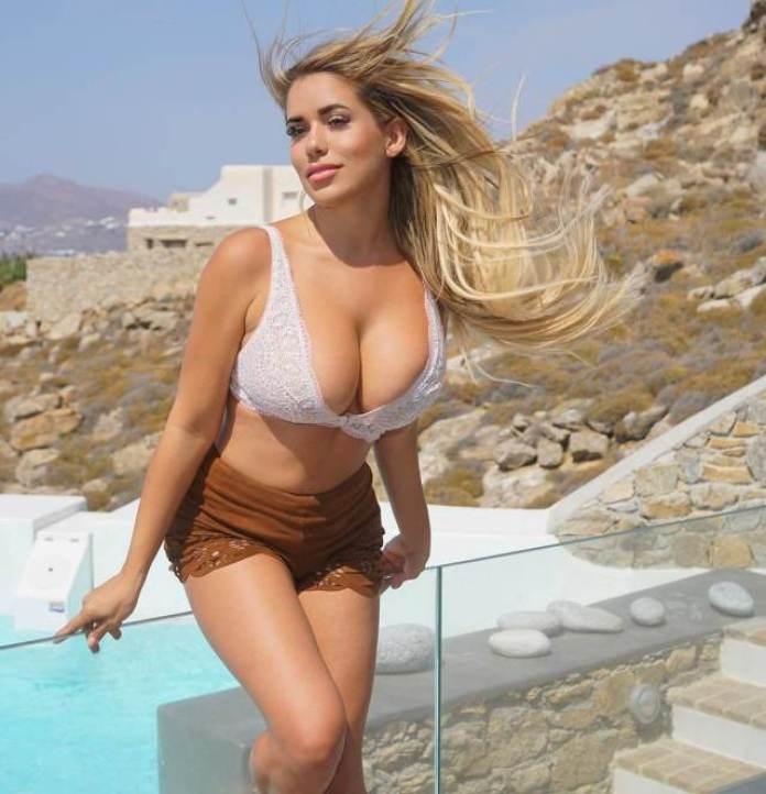 Chantal Zales tits