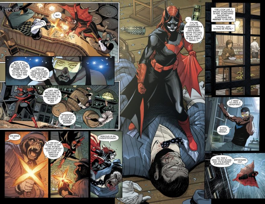 Batwoman VS Gorilla Boss