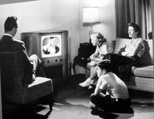 TV 1950s mood 09