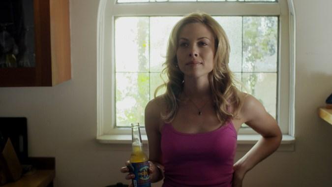 Julie Mond in Finding Neighbors