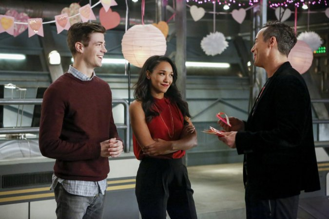 Barry (Grant Gustin), Iris (Candice Patton), and H.R. Wells (Tom Cavanagh) in The Flash Season 3