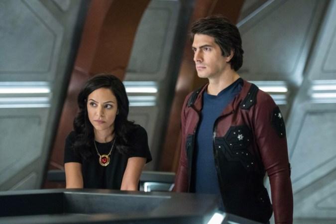 Zari (Tala Ashe) and Ray (Brandon Routh) in Legends of Tomorrow