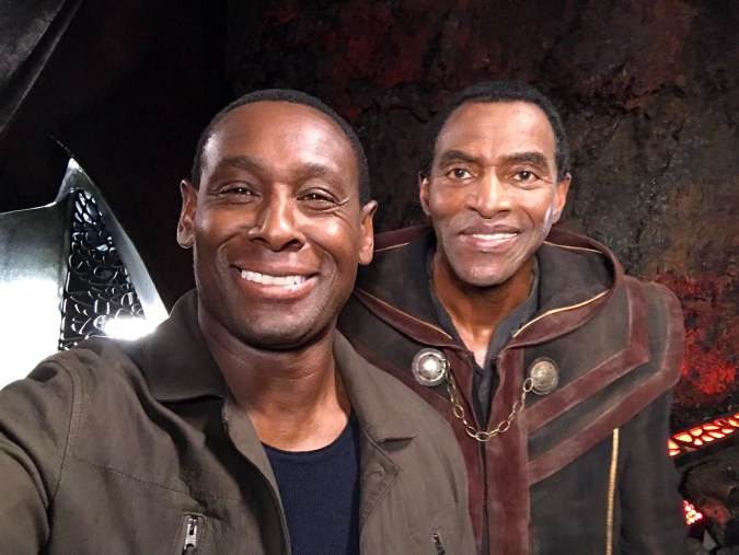 David Harewood as Hank Henshaw and Carl Lumbly as M'yrnn on Supergirl