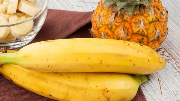 Papa de ananás, abacate e banana