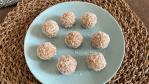 bolinhas de coco e tâmaras