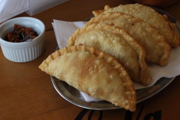 botequim-du-cais-empanadas