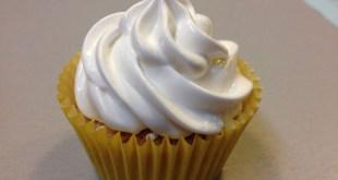 Cupcake lemon curd merengue suizo