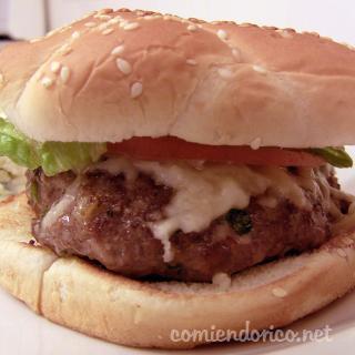 Hamburguesa en Salsa de Chile Chipotle