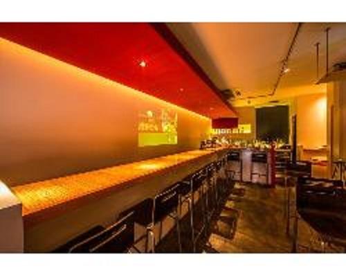 Stylish cafe&bar LET