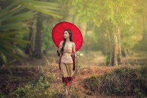農村部のアジア女性