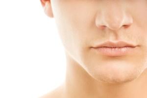 男性の顔下半分