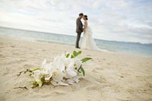 浜辺での結婚式
