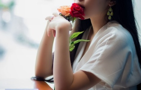 attractive-beautiful-beautiful-woman-2960706