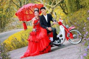 結婚式のドレスが印象的な夢