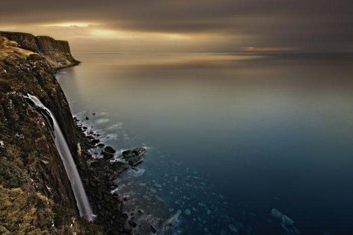 cliff-540117_1920