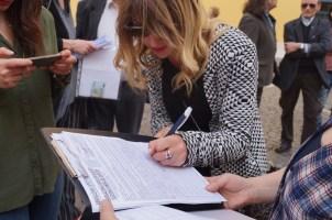 12 aprile 2016 presidio io difendo la Costituzione piazza Montecitorio Firma contro l'Italicum per la Democrazia