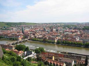 Panorama sur la ville de Würzburg. -2003