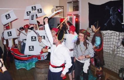 Pirates et Corsaires livrent bataille pour le trésor !