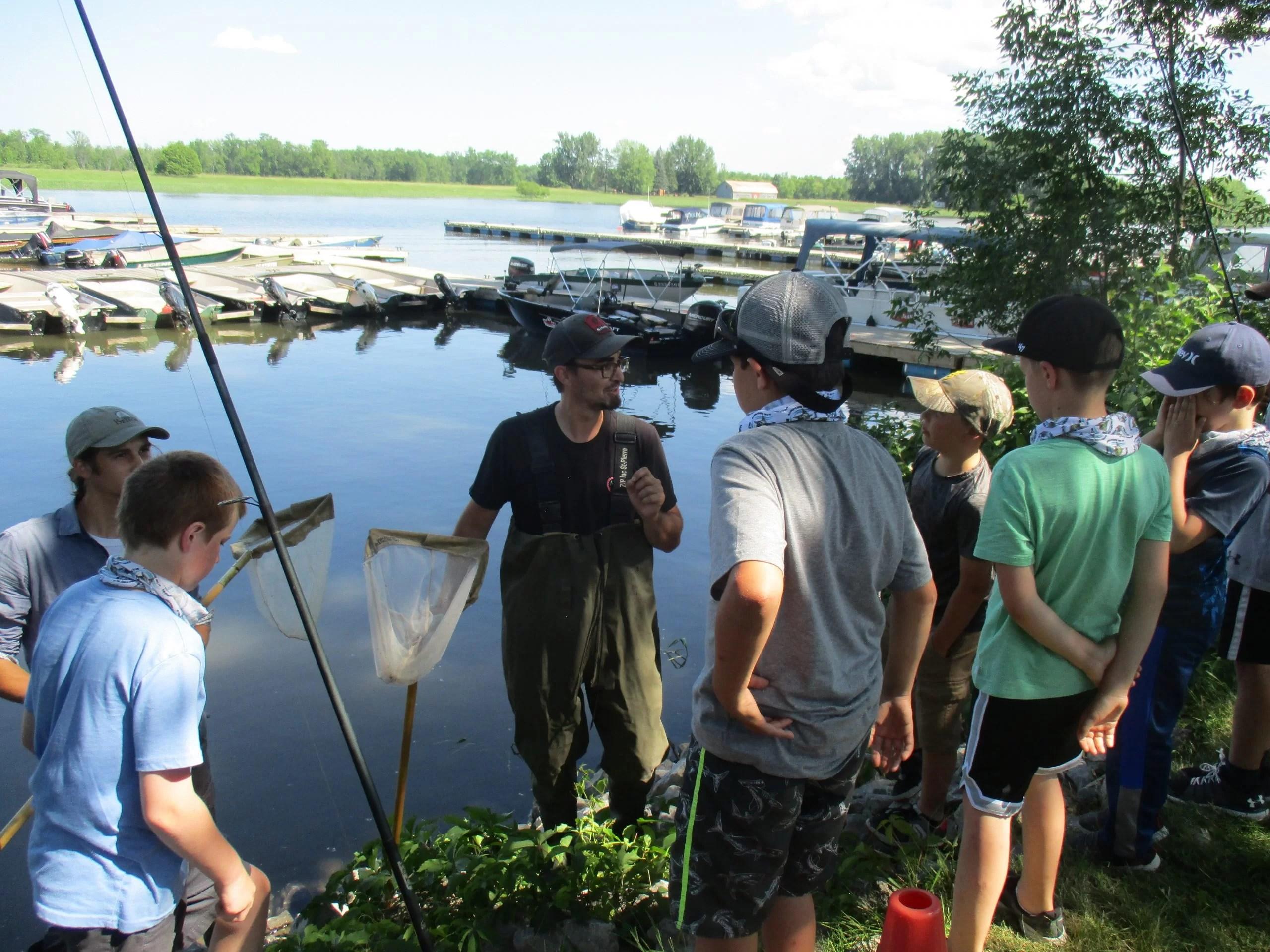 Les apprentis pêcheurs s'initient à l'importance de l'or bleu