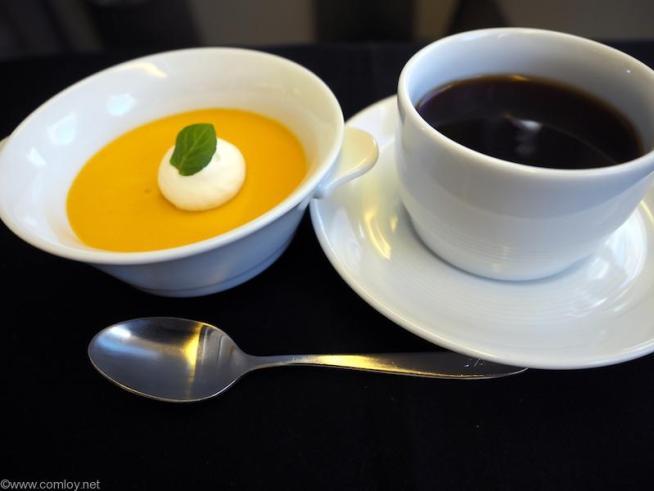 デザート  かぼちゃのプリン クレームシャンテ