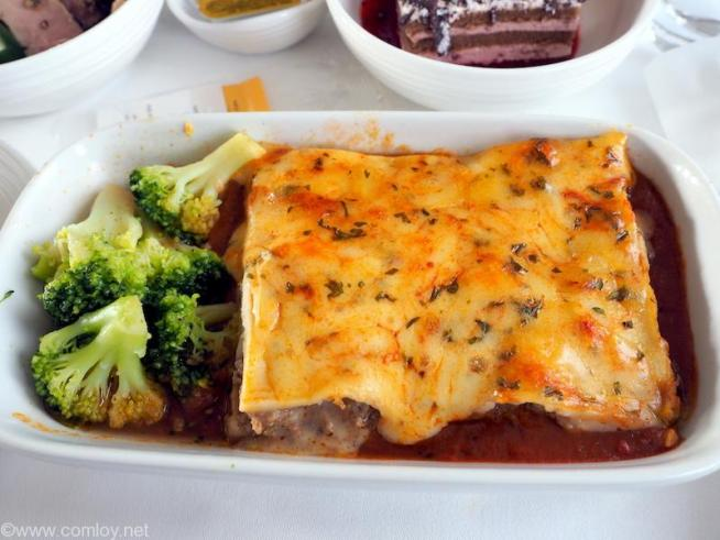 MAIN COURSE BEEF LASAGNA Broccoli and tomato coulis