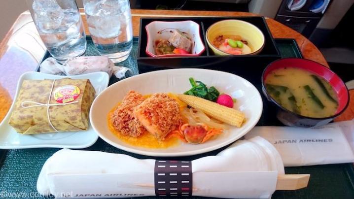 日本航空JAL908 沖縄-羽田 国内線ファーストクラス機内食