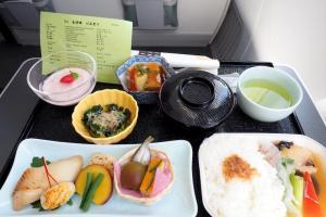 日本航空 JL92 金浦ー羽田 ビジネスクラス機内食