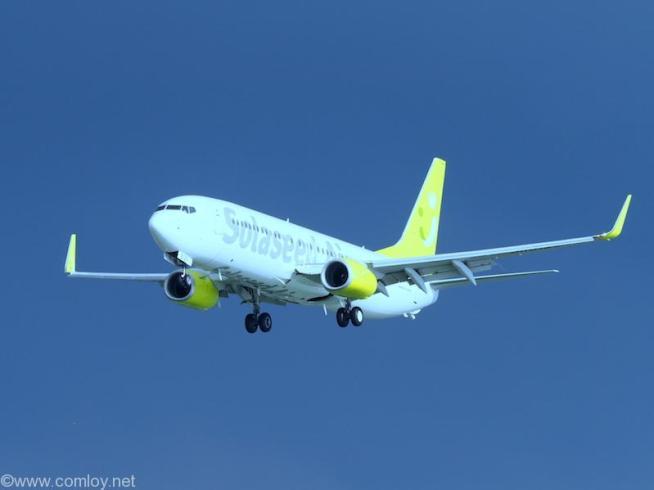Solaseed Air B737-800