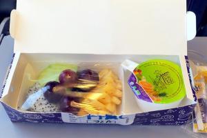 タイ航空 TG226 プーケット - バンコク エコノミークラス機内食
