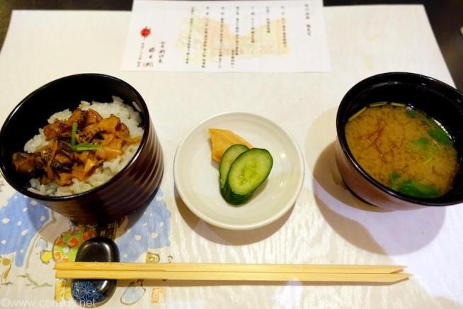 北海道ホテル 和食 六郎 食事 つぶ貝 生姜 混ぜご飯 香の物 味噌汁