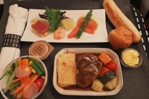 日本航空 JL26 香港 - 羽田 ビジネスクラス機内食
