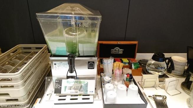 羽田空港 ANA SUITE LOUNGE 青汁
