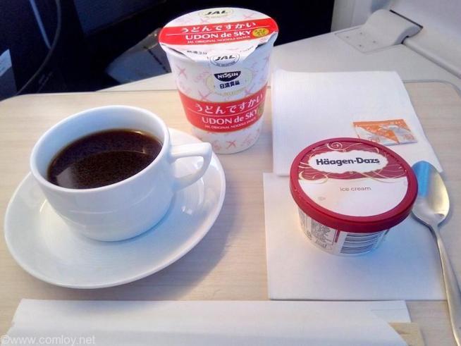 日本航空 JL32 バンコク ー 羽田 ビジネスクラス機内食