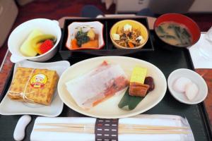 日本航空 JAL902 那覇 - 羽田 国内線ファーストクラス機内食