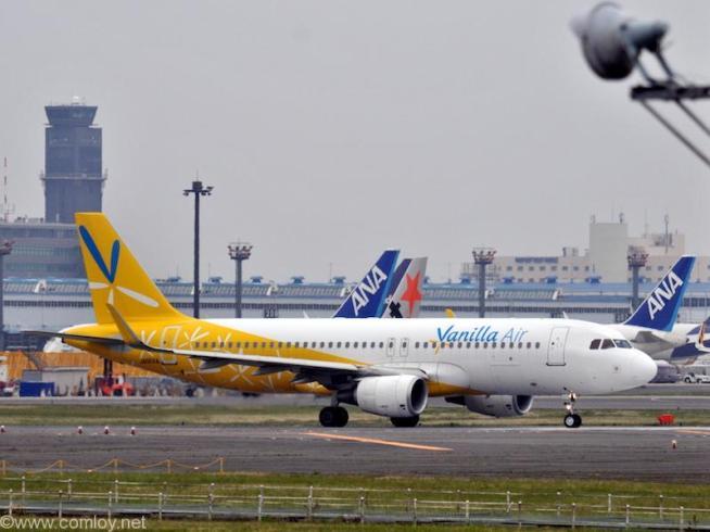 バニラエアー ( Vanilla Air ) A320-200 機体番号JA05VA 型式A320-214 製造番号6282 登録2014/10