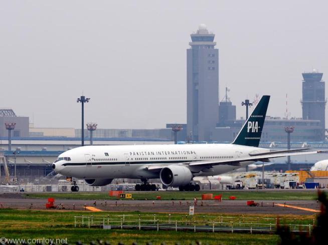 パキスタン国際航空 ( Pakistan International Airways ) B777-200 機体番号AP-BMG 型式Boeing777-2Q8/ER 製造番号32716/518 登録2015/10