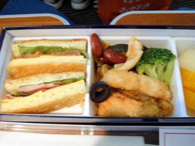 ANA66 札幌 - 羽田 プレミアムクラス機内食