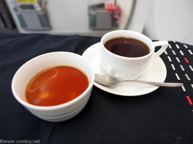 日本航空JL707 成田 - バンコク ビジネスクラス 機内食 デザート 山田農園のほうじ茶プリン