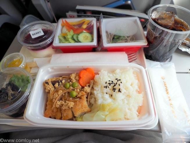 日本航空 JL96 台北(松山)ー羽田 エコノミークラス機内食