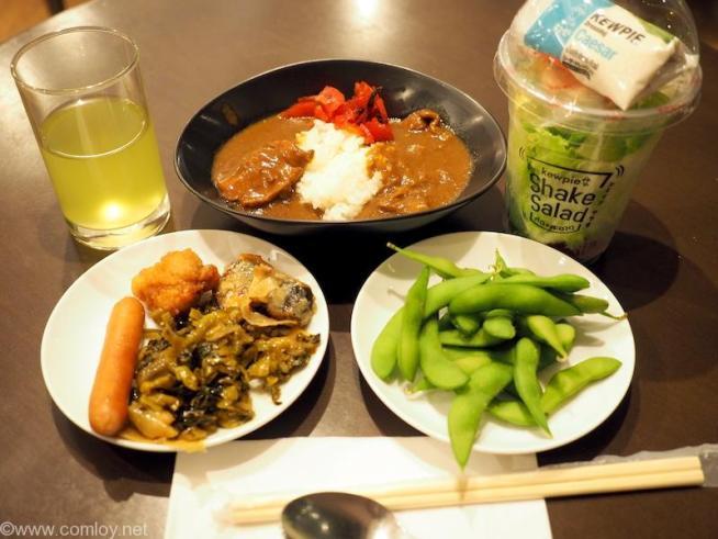 バンコク スワンナプーム空港 日本航空サクララウンジ 今日の夕食