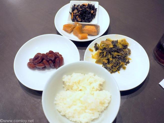 バンコク スワンナプーム空港 日本航空サクララウンジ 今日の夕食2