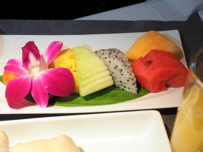 日本航空 JL34 バンコク - 羽田 ビジネスクラス機内食 フレッシュフルーツ